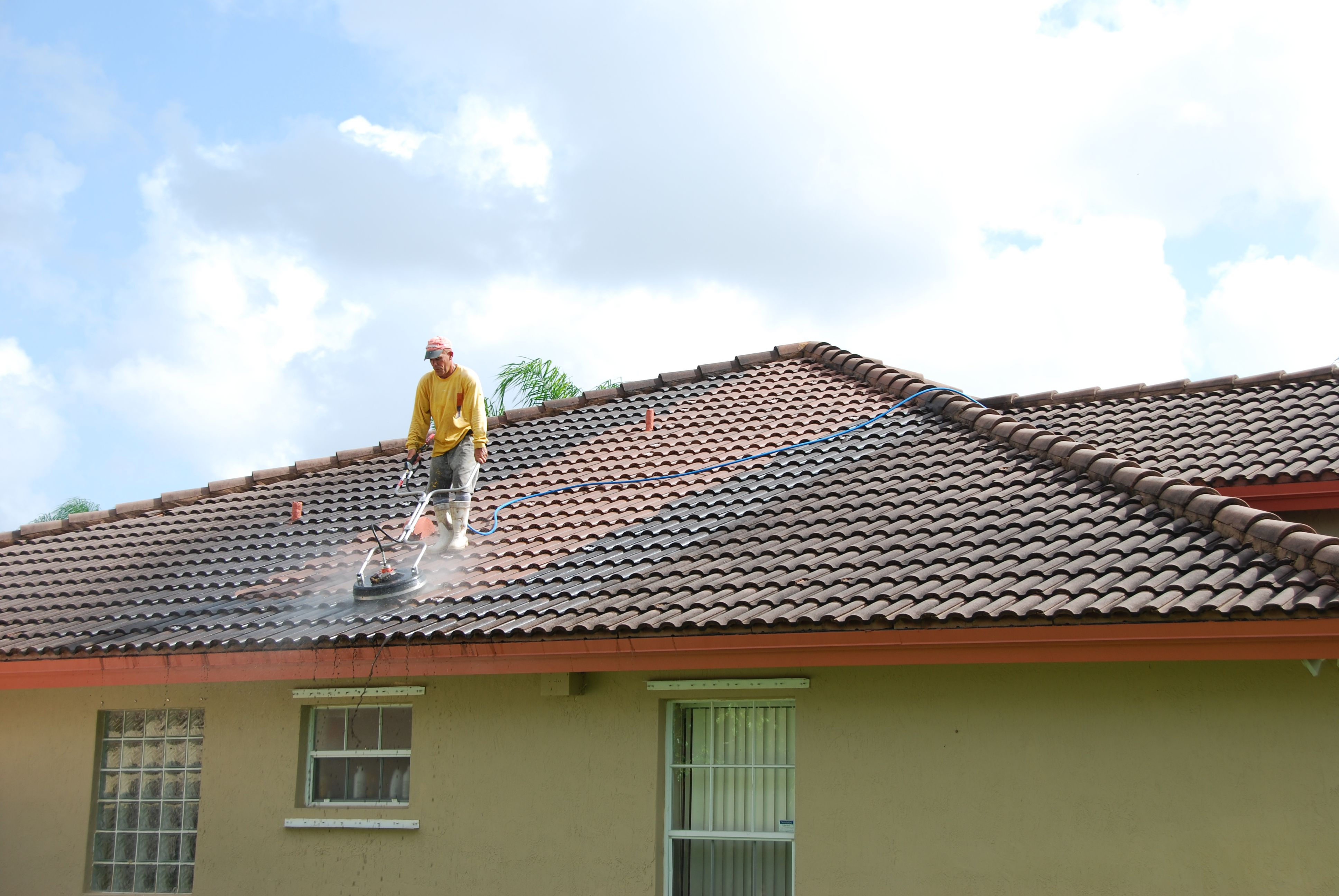 residential pressure cleaning roof